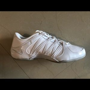 Brand new nike cheer shoes